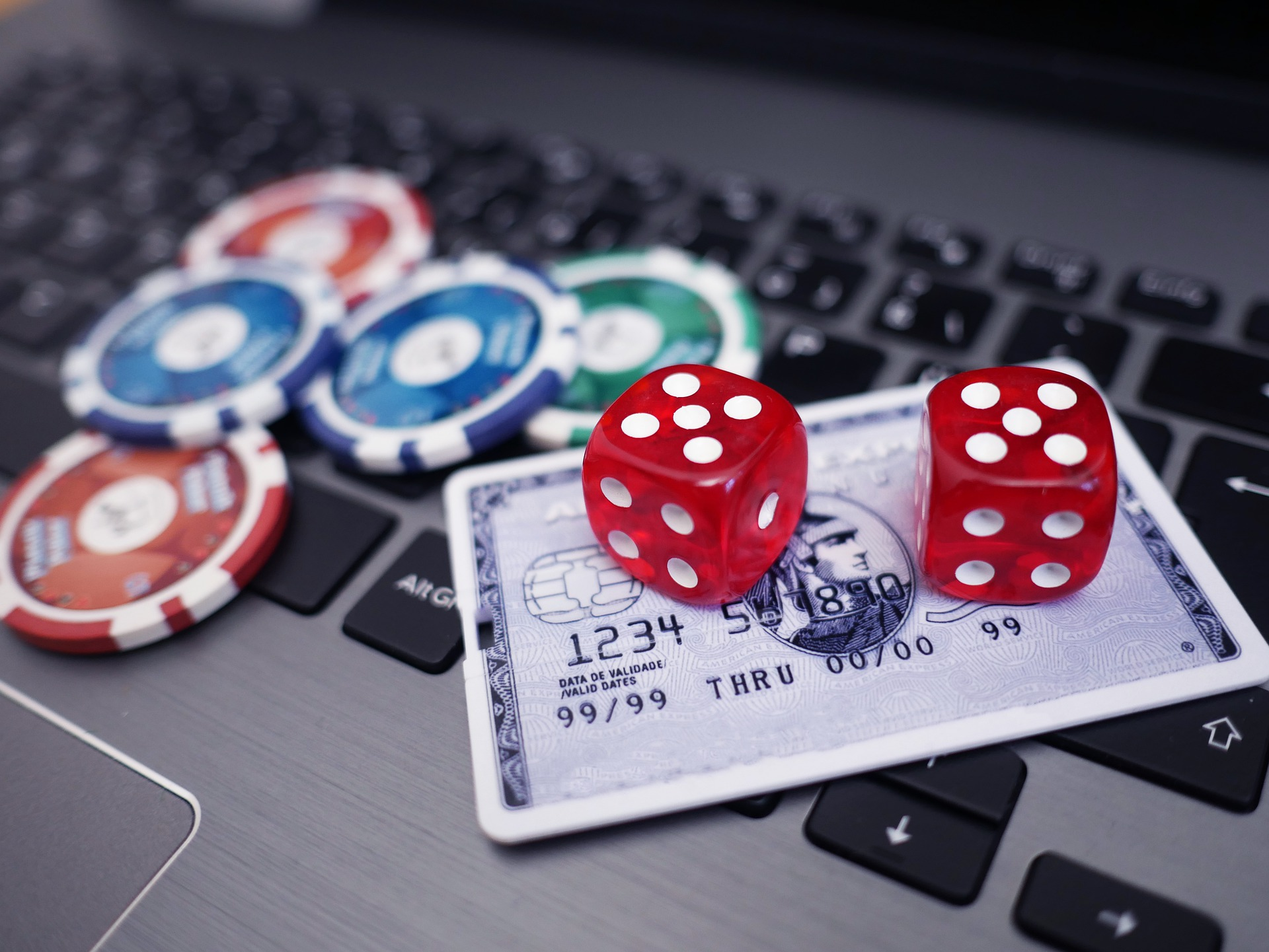 An Insight Into Online Slots Bonuses